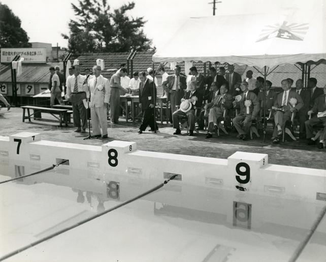 1960年世田谷屋外プール完成開場式